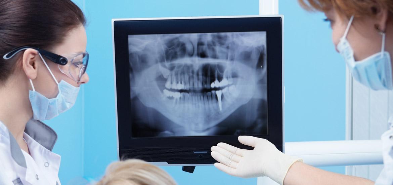 Diagnose und Beratung beim Zahnarzt