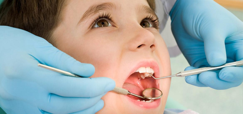 Bevorzugte Behandlung von Kindern und Angstpatienten beim Zahnarzt