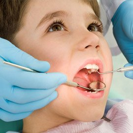 Behandlung von Kindern und Angstpatienten beim Zahnarzt